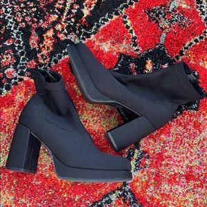 Shoes - High Lights Black 90s Platform boot 7.5